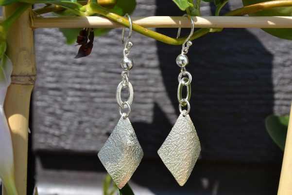 Zilveren oorbellen 012146