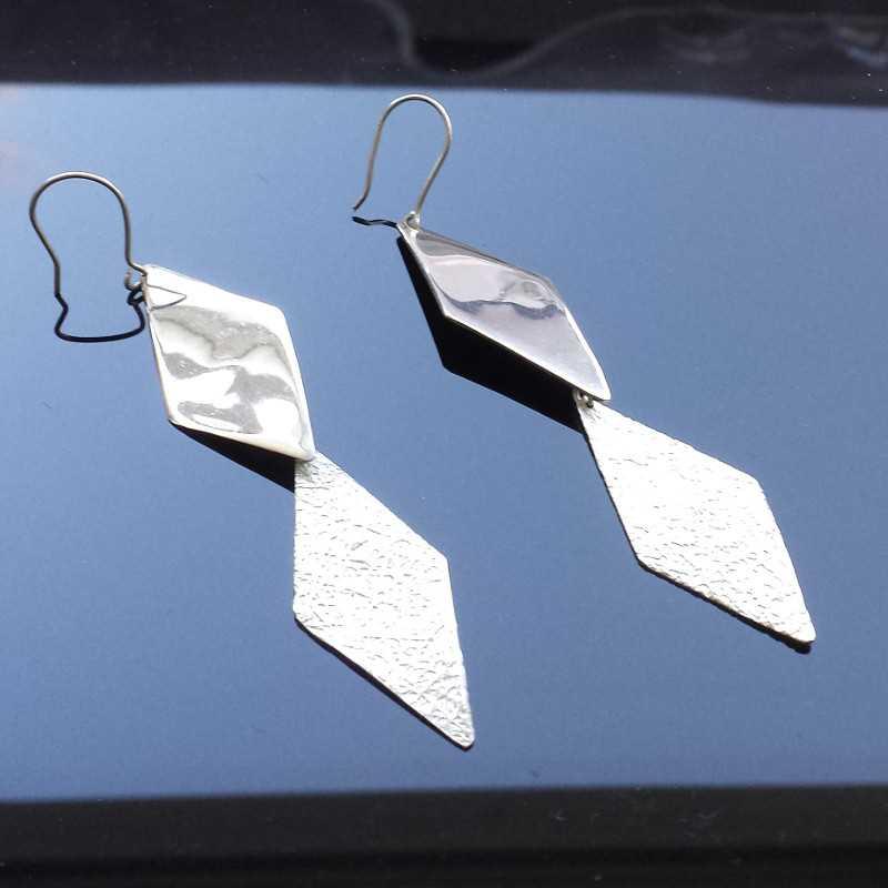 Zilveren oorbellen ruit 2x (012124)