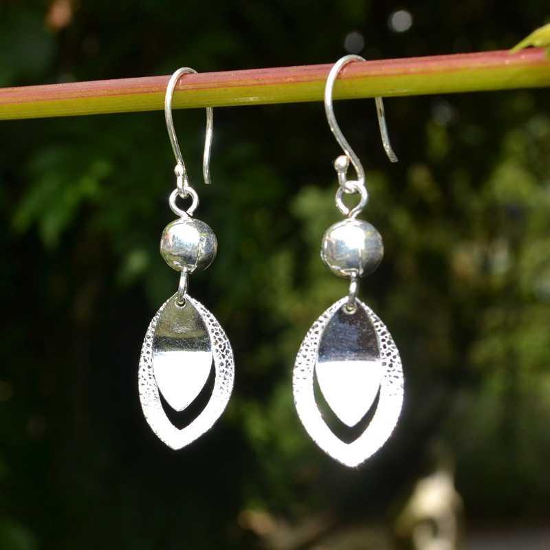 Zilveren oorbellen Dalia