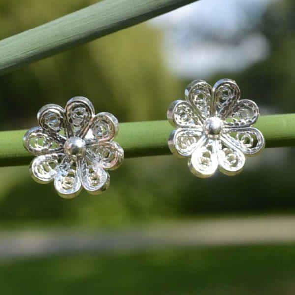 Zilveren filigraan oorbellen Bloem
