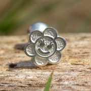 Zilveren oorstekers Bloemetje 2
