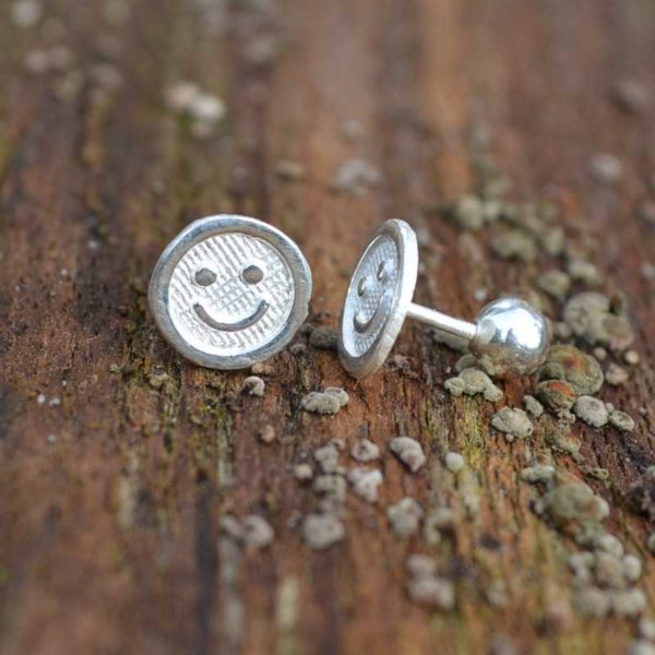 Zilveren oorstekers Smiley