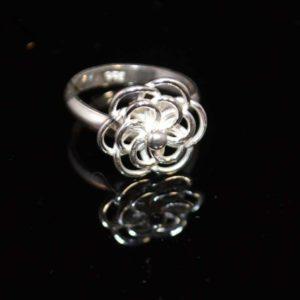 Zilveren ring Bloem