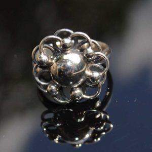 Zilveren ring Bloem 4