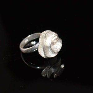 Zilveren ring Roos